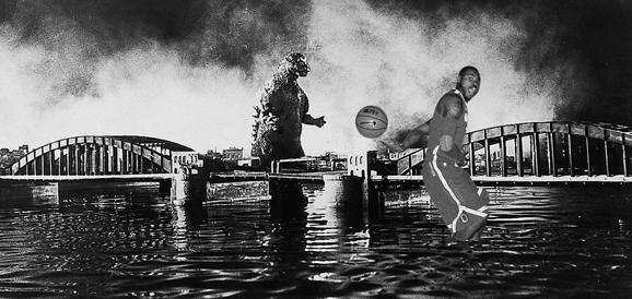 Deshaun Thomas hitting Godzilla with a no-look pass