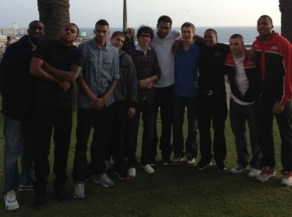 The Ohio State basketball team poses near the Santa Monica Pier (Photo by Jeff Boals)
