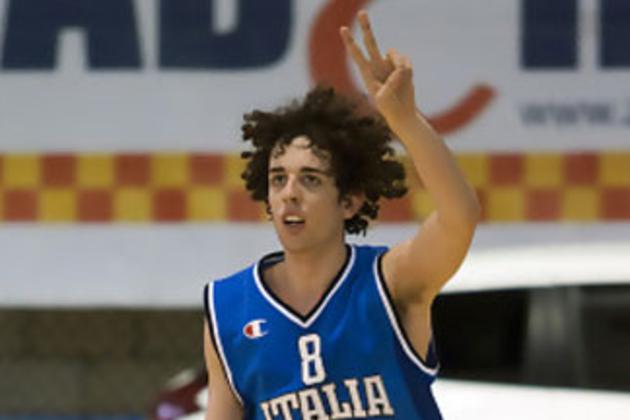 Amedeo Della Valle playing for the Azzurri