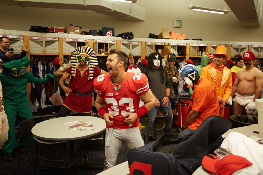 Nick Swisher, in a James Laurinaitis' jersey, is Harlem Shaking.