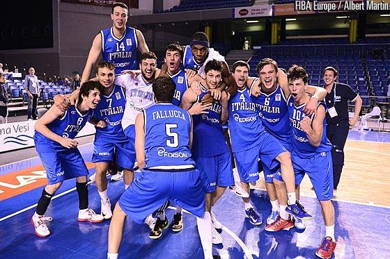 Italy celebrates FIBA Euro U-20 win over Russia