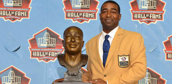 Cris Carter apologized to Ohio State fans during his NFL Hall of Fame induction speech.