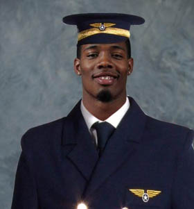 Kenny Guiton was announced as the starting pilot for Ohio State's trip to Cal.