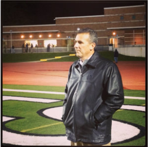 Urban posted up watching Glenville.