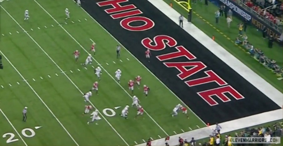 Ohio State's defense pursuing inside out on Oregon.