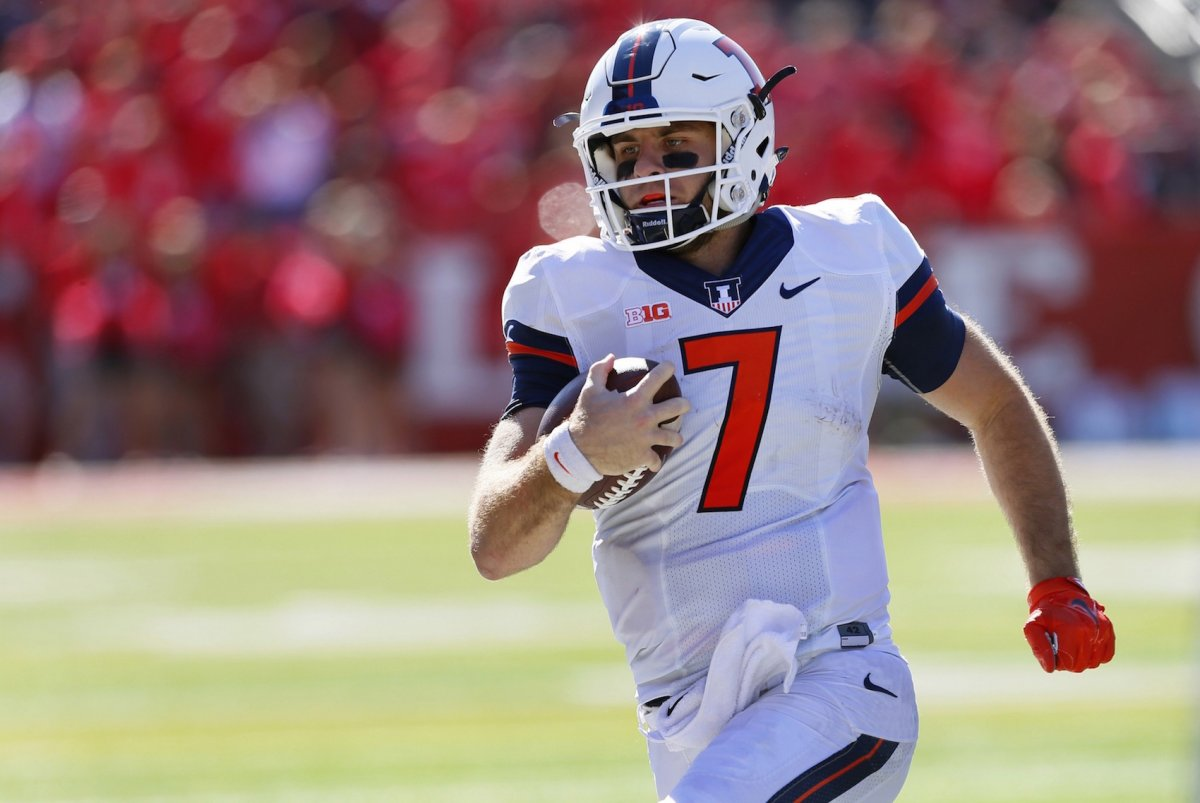 Dual-threat Chayce Crouch enters the 2017 season as Illinois' new starting quarterback.