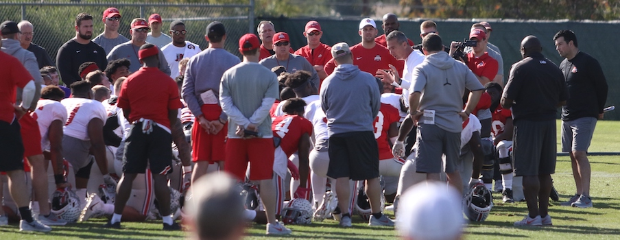 Urban Meyer leads Ohio State's pre-practice huddle