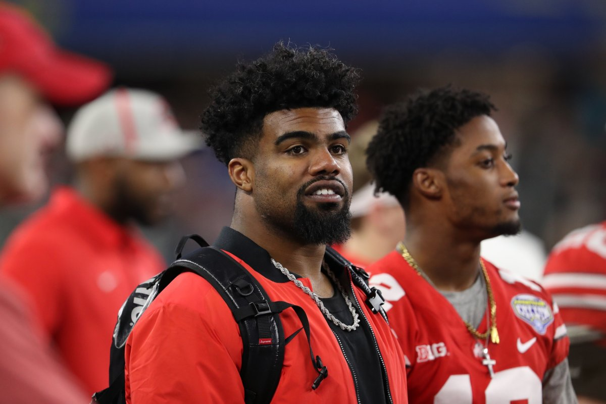 Dec 29, 2017; Arlington, TX, USA; Dallas Cowboys running back Ezekiel Elliott in the bench area of the Ohio State Buckeyes during the game against the Southern California Trojans in the 2017 Cotton Bowl at AT&T Stadium. Mandatory Credit: Matthew Emmons-USA TODAY Sports