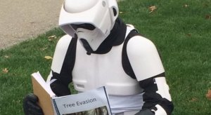 Stormtrooper reading on the Oval.