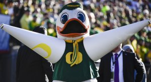 Oregon finds itself needing to replace a coach in the middle of spring practice.