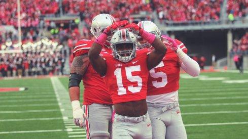 Zeke scores a touchdown.