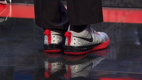 Cris Carter shows off his Ohio State Buckeyes Nike Lunar TR1s
