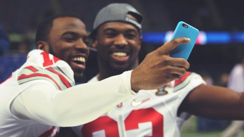 Doran Grant and Tyvis Powell snap a selfie.