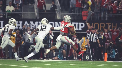 Ezekiel Elliott races for a touchdown.