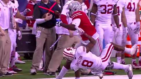Cardale Jones trucks a Wisconsin DB