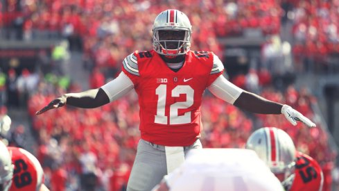 Cardale Jones takes a snap.