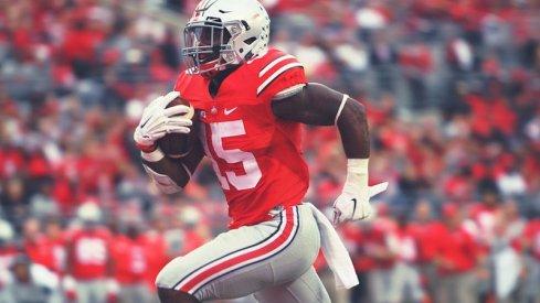 Ezekiel Elliott races for a touchdown.