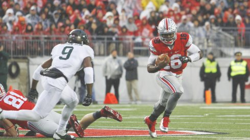 J.T. Barrett and the OSU offense struggled mightily to move the ball against the Spartans