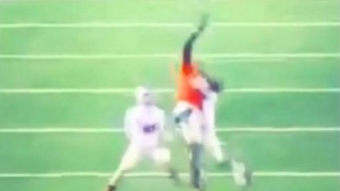 Jeff Greene makes insane one-handed grab look easy