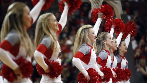 Ohio State cheerleaders at a women's hoops game.