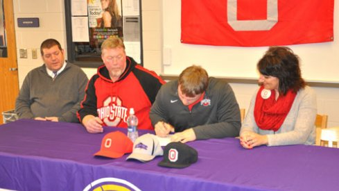 Gavin Cupp inks his letter to Ohio State.