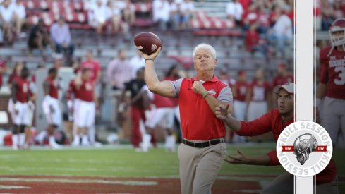 Kerry Coombs goes long for the September 24th 2016 Skull Session