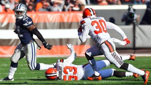 Ezekiel Elliott runs roughshod over the Browns.