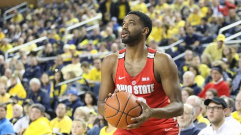 Ohio State's JaQuan Lyle takes a shot against Michigan.