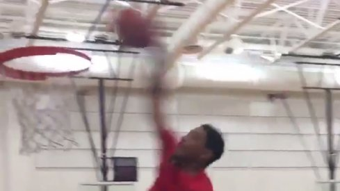 Ohio State outside linebacker Malik Harrison wins dunk contest.