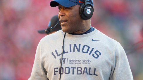 Lovie Smith is set to face Ohio State for the first time as Illinois head coach in 2017.