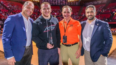 Kyle Snyder wins another award.