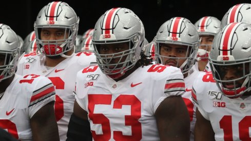 Ohio State players line up to run out of the tunnel.