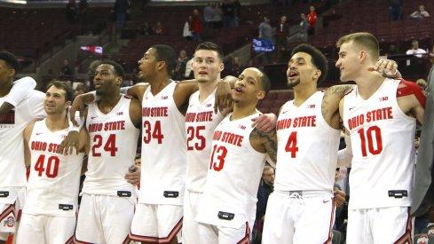 The Ohio State basketball team singing Carmen Ohio
