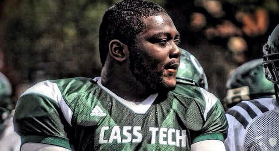 Detroit Cass Tech defensive tackle Michael Onwenu