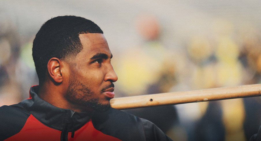 Braxton Miller re-injured his throwing shoulder at Monday's afternoon practice according to sources.