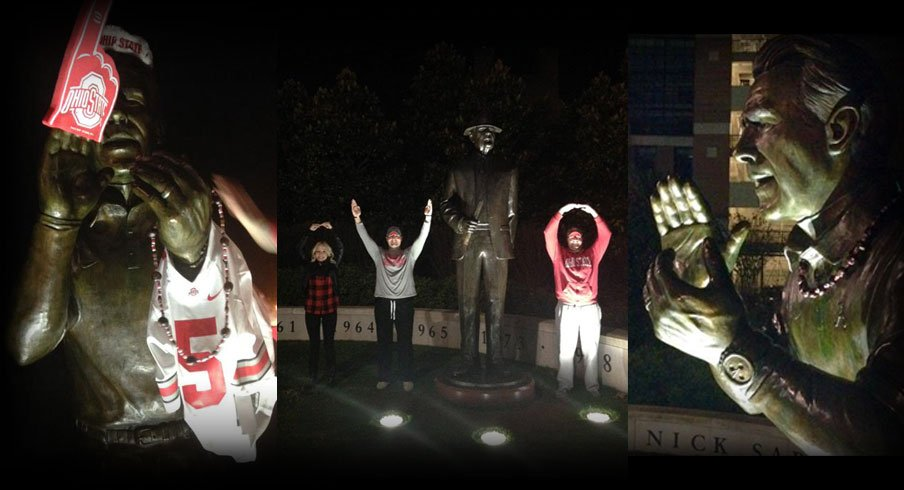 Ohio State fans clowning on the Nick Saban and Bear Bryant statues in Tuscaloosa as they make their way to New Orleans.