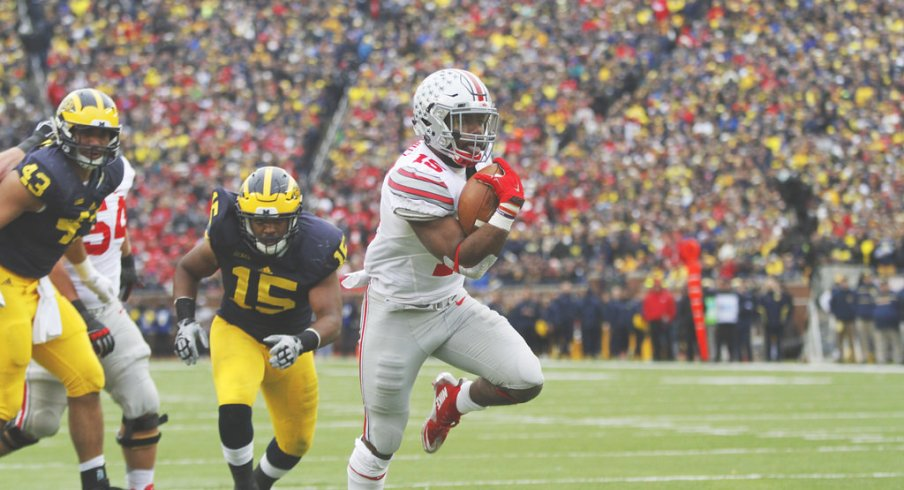 Ezekiel Elliott's status is unchanged for the Fiesta Bowl after a driving citation, the school said Monday.