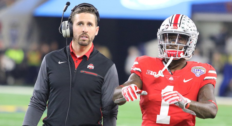 Brian Hartline coaching Johnnie Dixon during the 2017 Cotton Bowl.