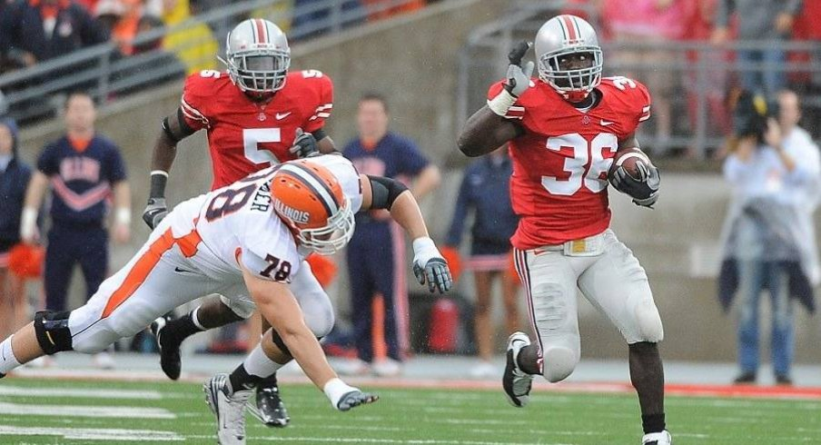 Brian Rolle returns an interception against Illinois.