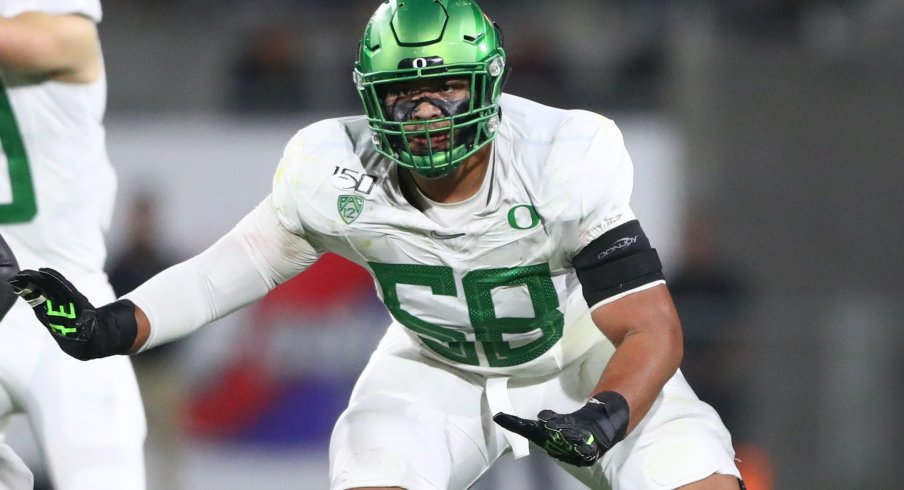 Outland Trophy winner Penei Sewell anchors Oregon's offense