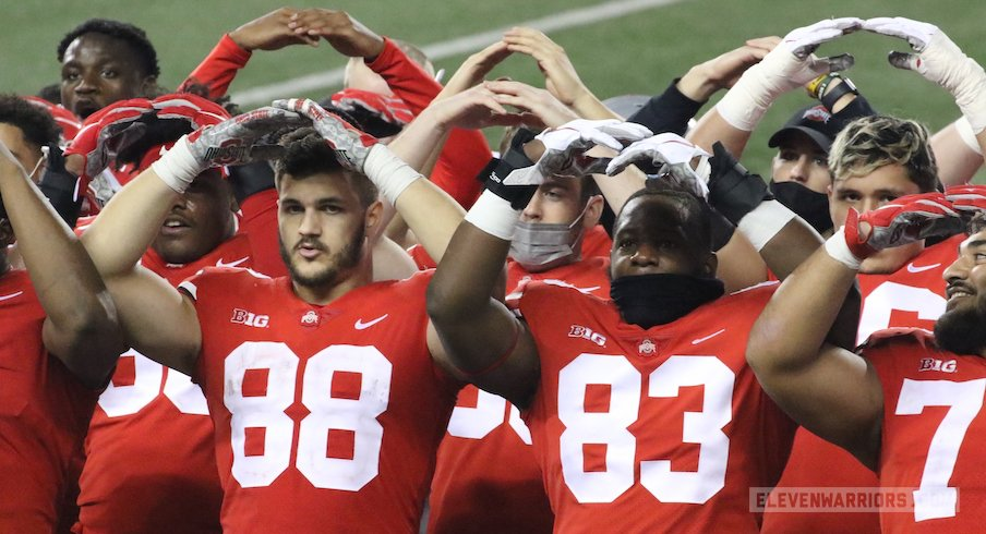 Ohio State players during Carmen postgame